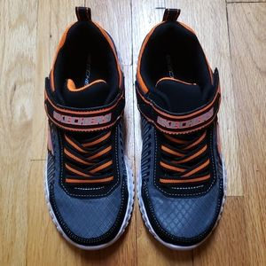 New! SKECHERS Athletic Shoes Boy's 2.5